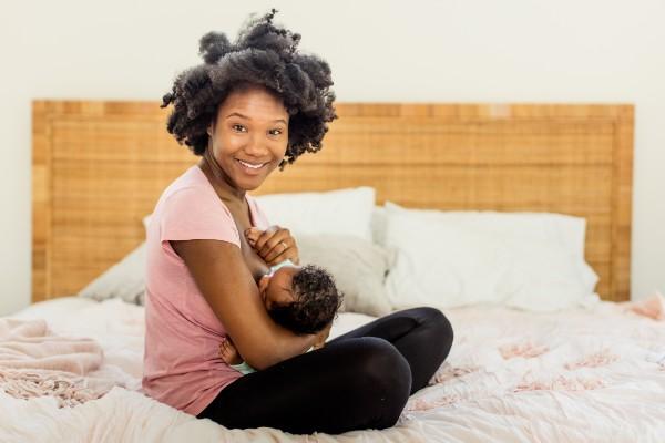 black woman breastfeeding
